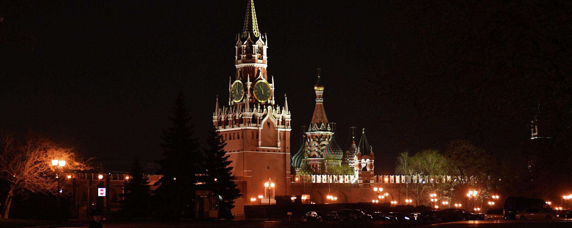Moskauer Kreml in der Nacht (Archivbild) - SNA, 1920, 29.01.2021