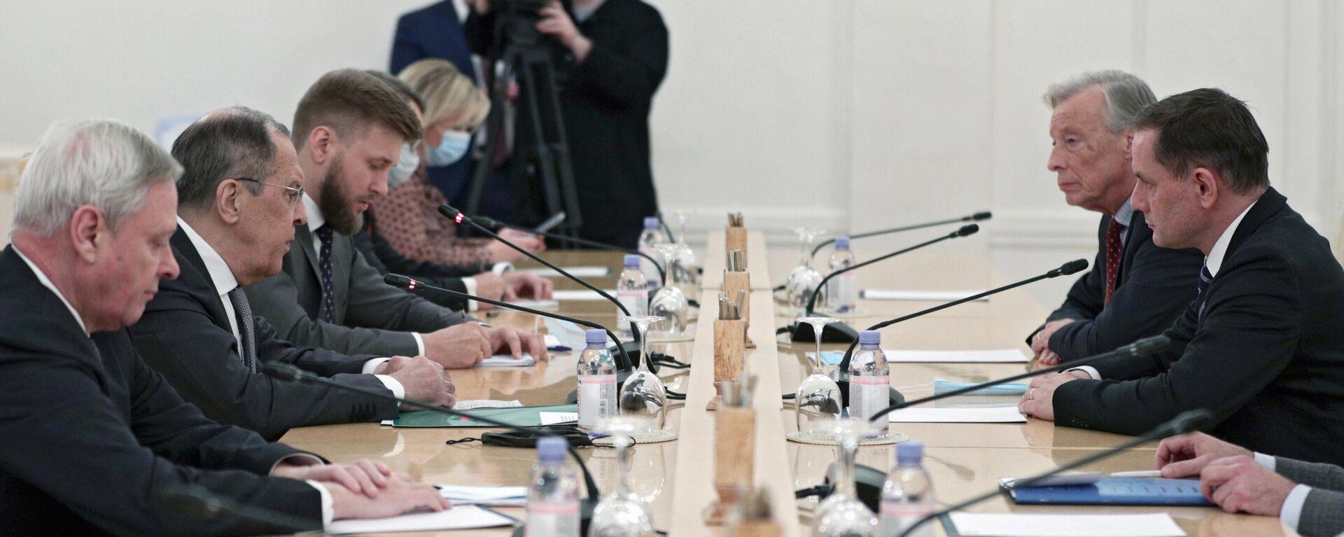 Der russische Außenminister Sergej Lawrow (2L) beim Treffen mit AfD-Politikern in Moskau - SNA, 1920, 09.12.2020