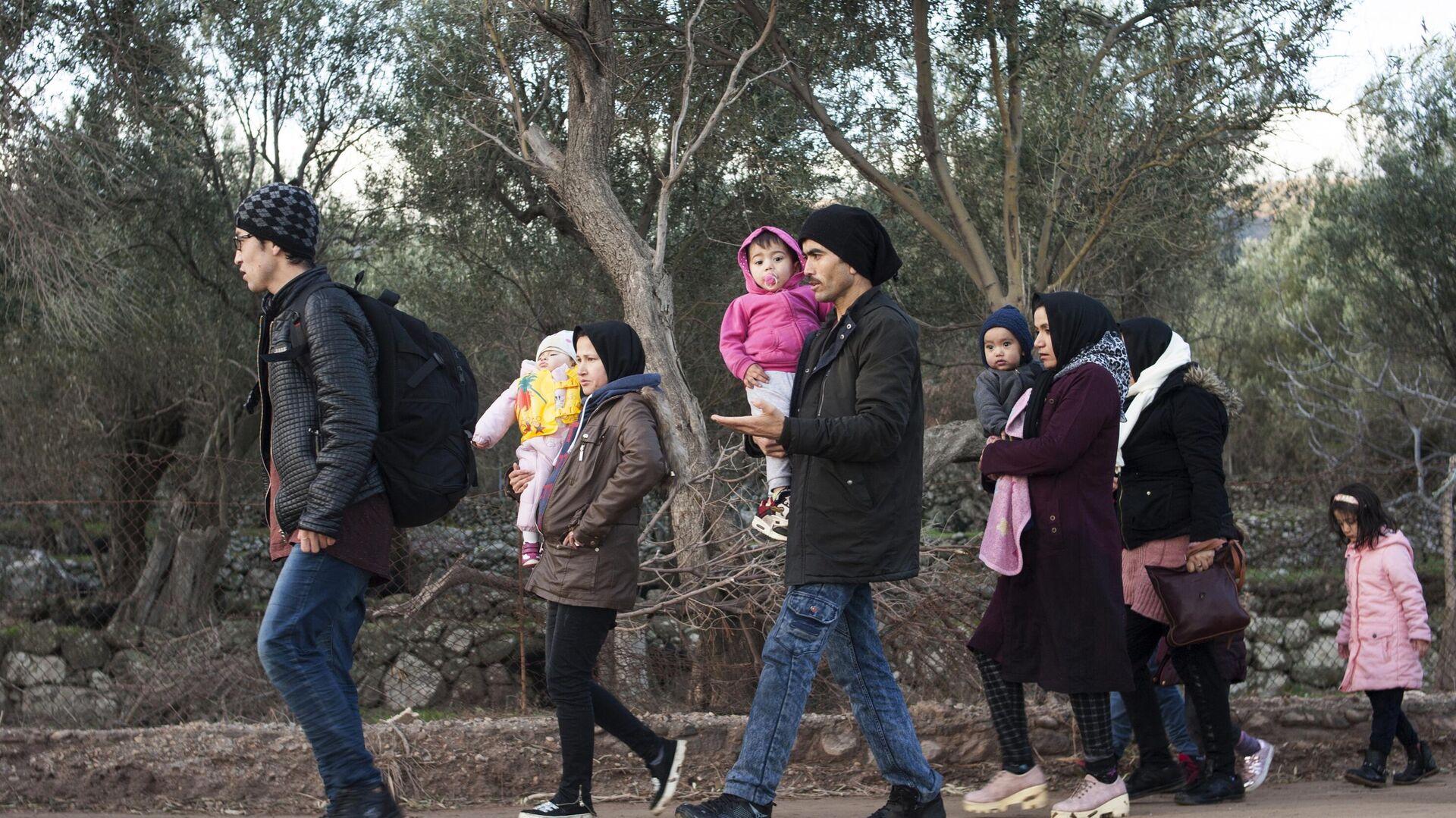 Flüchtlinge aus dem Nahen Osten auf der griechischen Insel Lesbos (Archivbild) - SNA, 1920, 24.02.2021