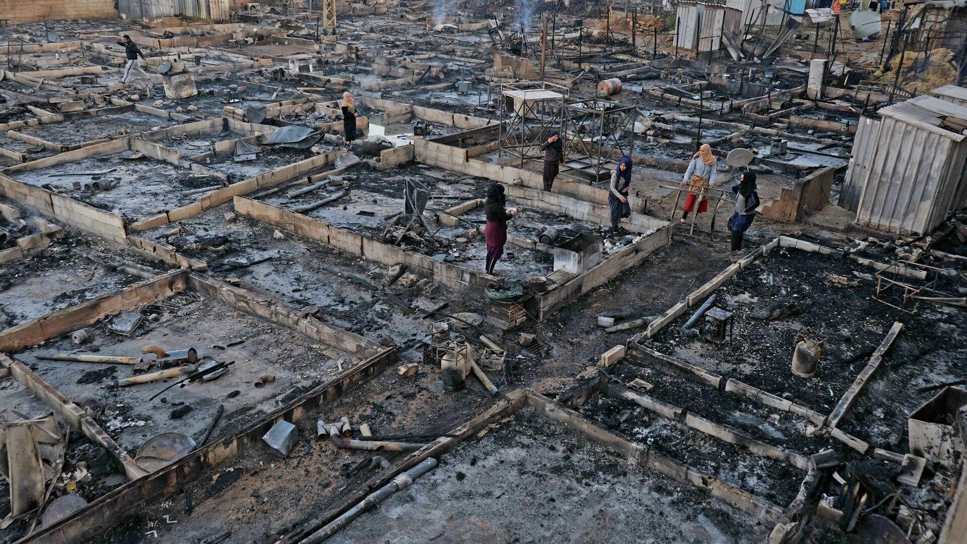 Flüchtlingslager im Libanon in Brand gesetzt - SNA, 1920, 27.12.2020