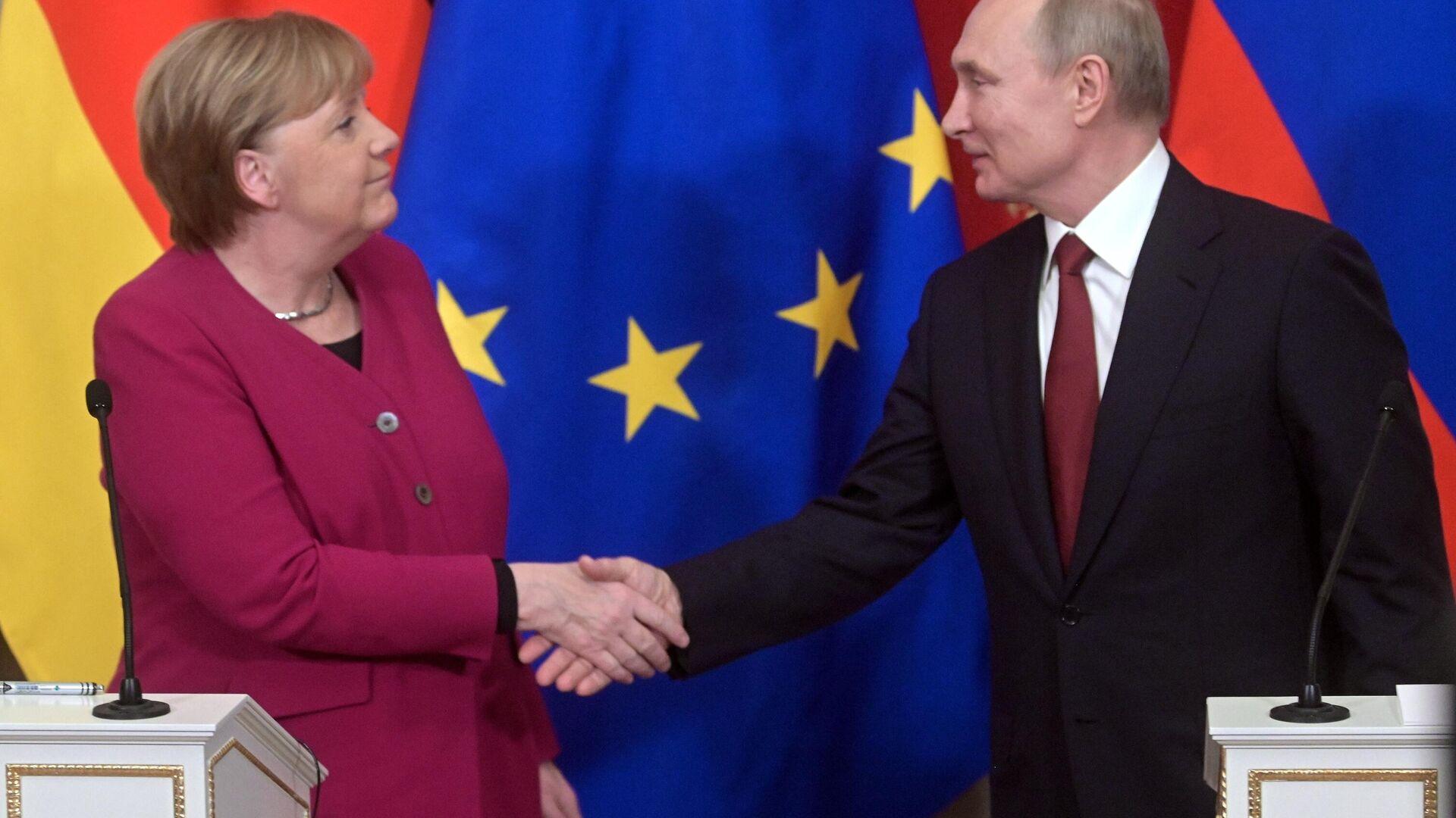 Bundeskanzlerin Angela Merkel und Russlands Präsident Wladimir Putin beim Gipfeltreffen in Moskau, Januar 2020 - SNA, 1920, 21.07.2021