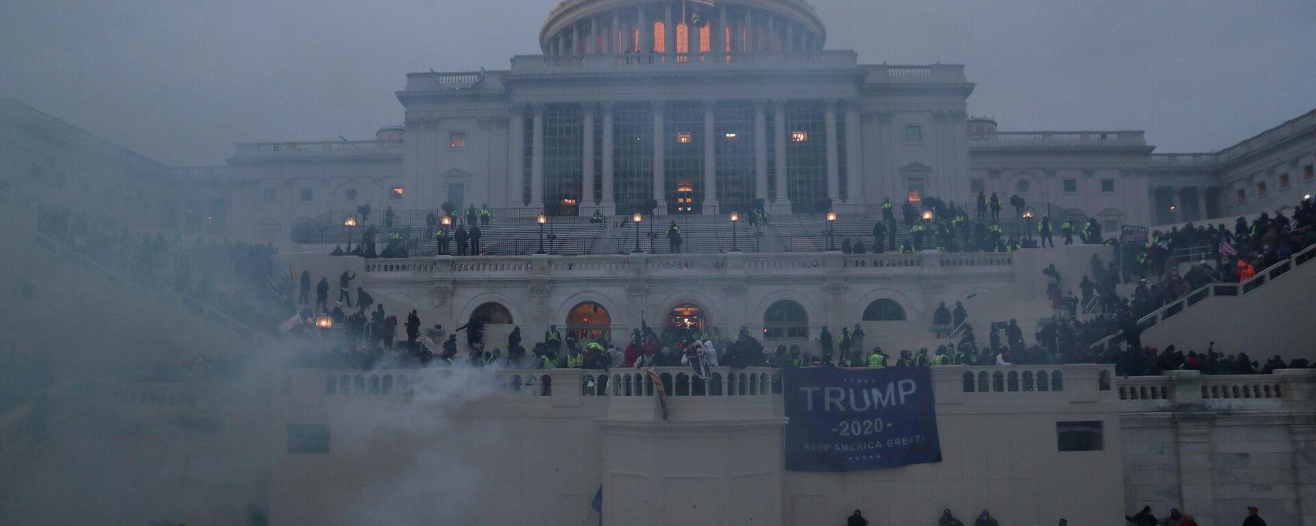 Anhänger von Donald Trump erstürmen das US-Kapitol - SNA, 1920, 07.01.2021