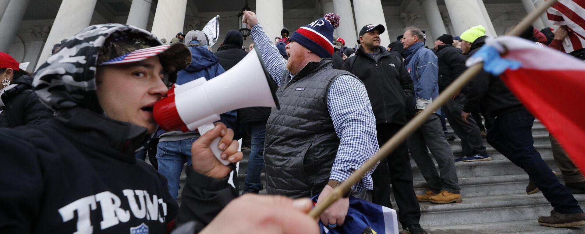 Protestaktion von Anhängern Donald Trumps auf dem Kapitol in Washington  - SNA, 1920, 28.01.2021