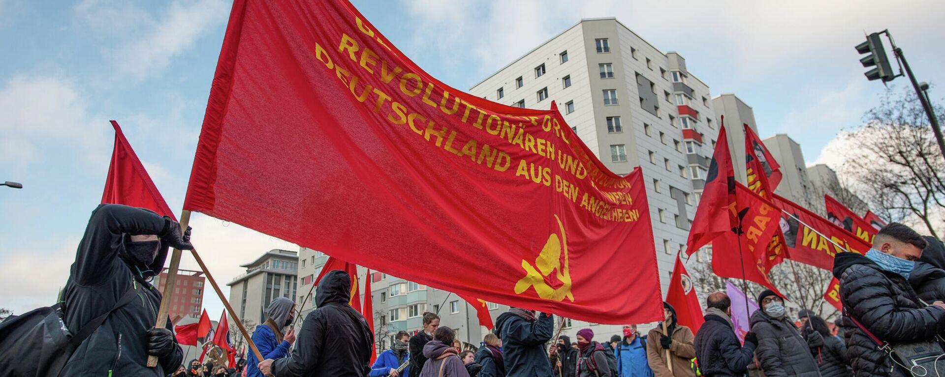 Unter Corona-Auflagen: Luxemburg-Liebknecht-Demonstration zieht zur Gedenkstätte der Sozialisten - SNA, 1920, 11.01.2021