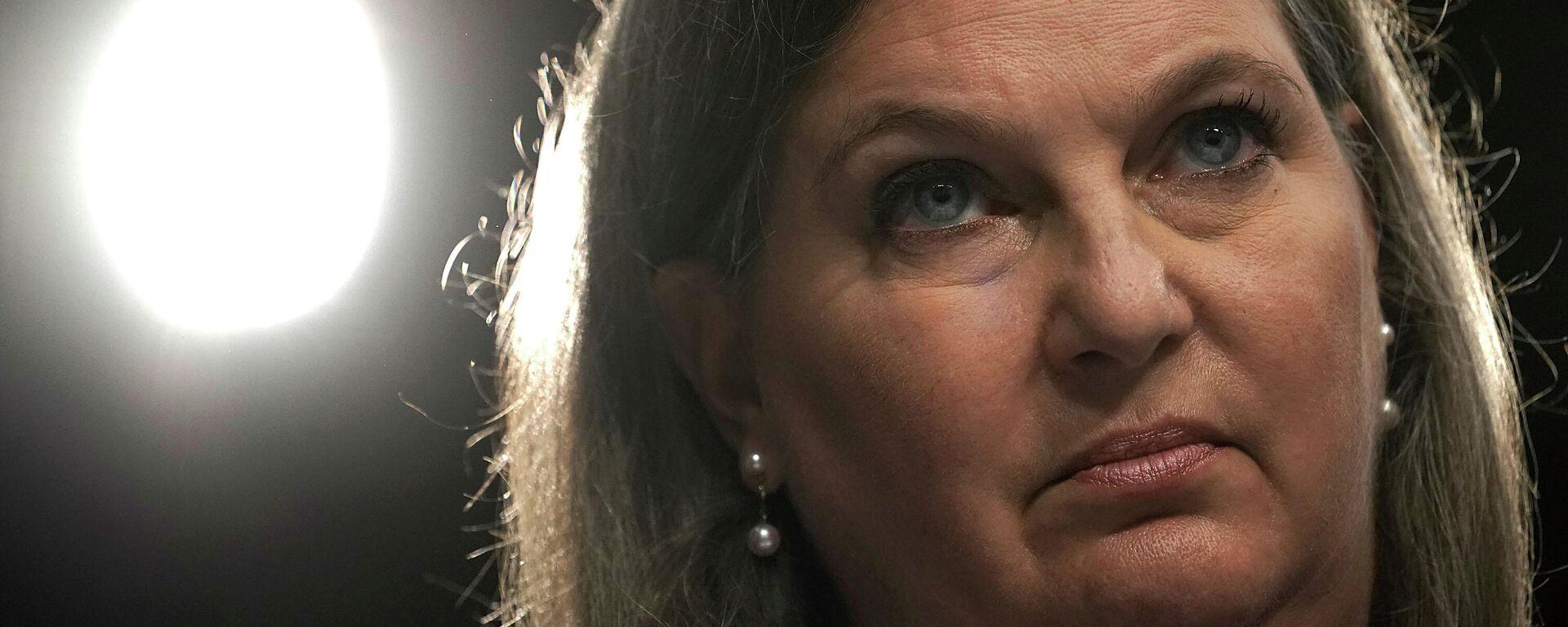 Die frühere stellvertretende Staatssekretärin für europäische und eurasische Angelegenheiten, Victoria Nuland, auf einer Anhörung vor dem Geheimdienstausschuss des Senats am 20. Juni 2018 auf dem Capitol Hill in Washington. - SNA, 1920, 13.01.2021
