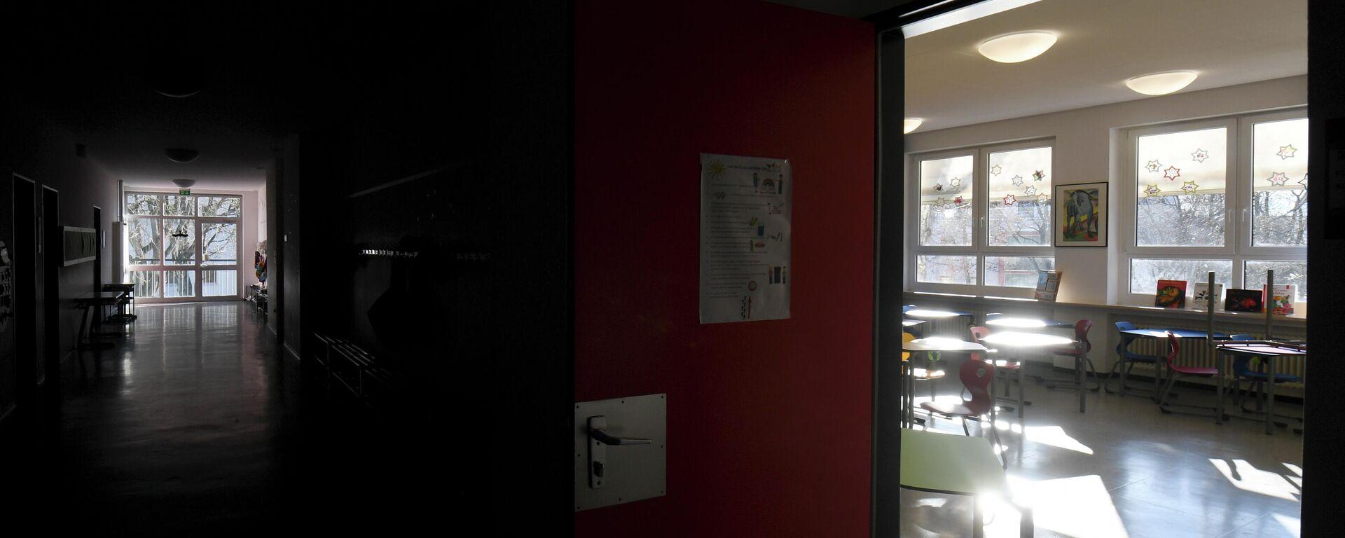 Leere Klassenräume in einer wegen Lockdowns gesperrten Schule in Eichenau - SNA, 1920, 19.01.2021