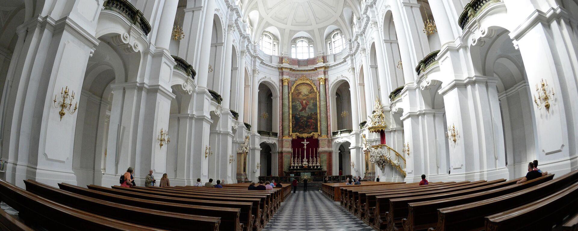 Katholische Hofkirche in Dresden (Archivbild) - SNA, 1920, 03.02.2021