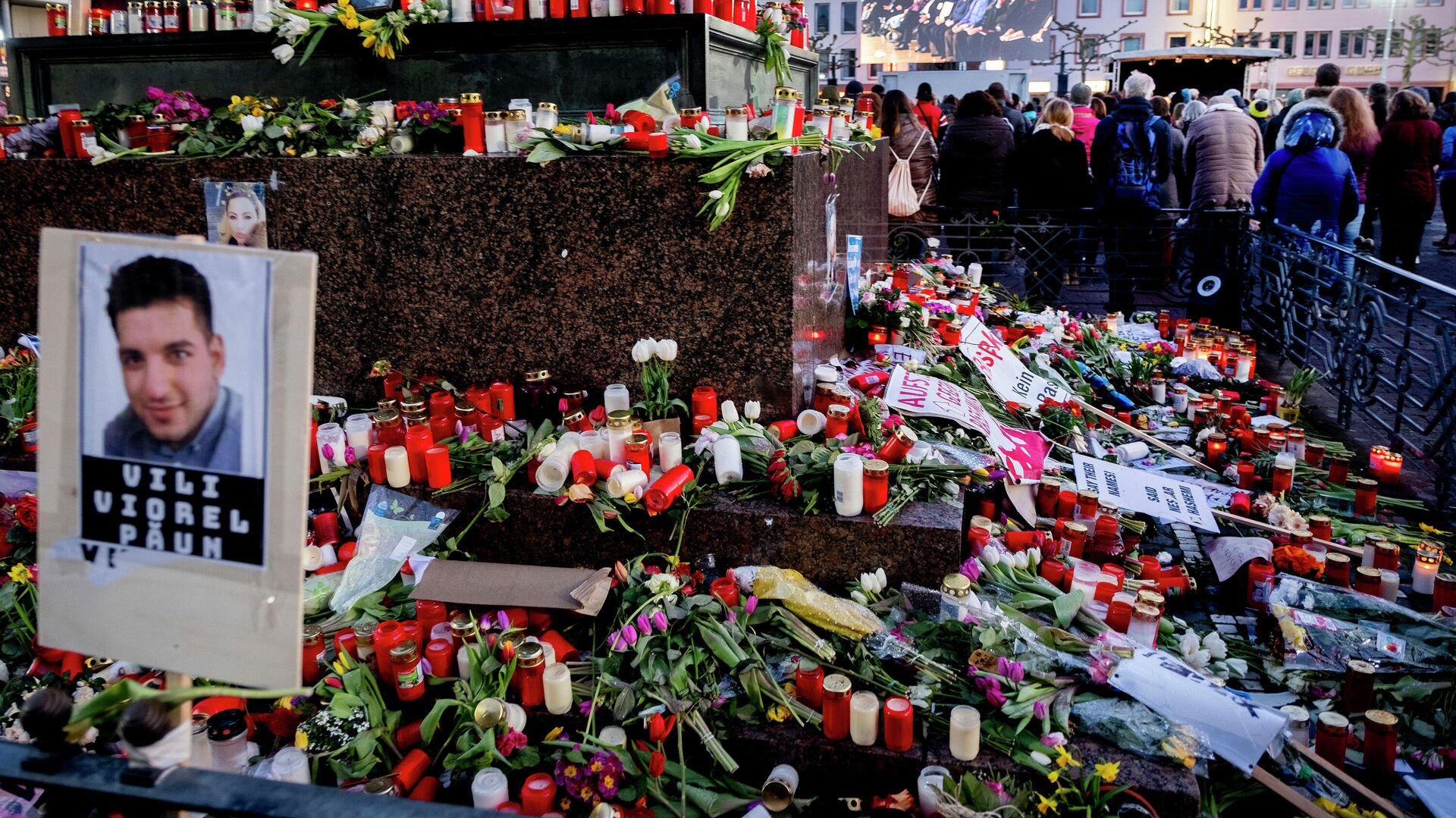Am Ort eines Anschlags in Hanau, bei dem ein Amokschütze neun Menschen getötet hat. 4. März 2020 - SNA, 1920, 16.02.2021
