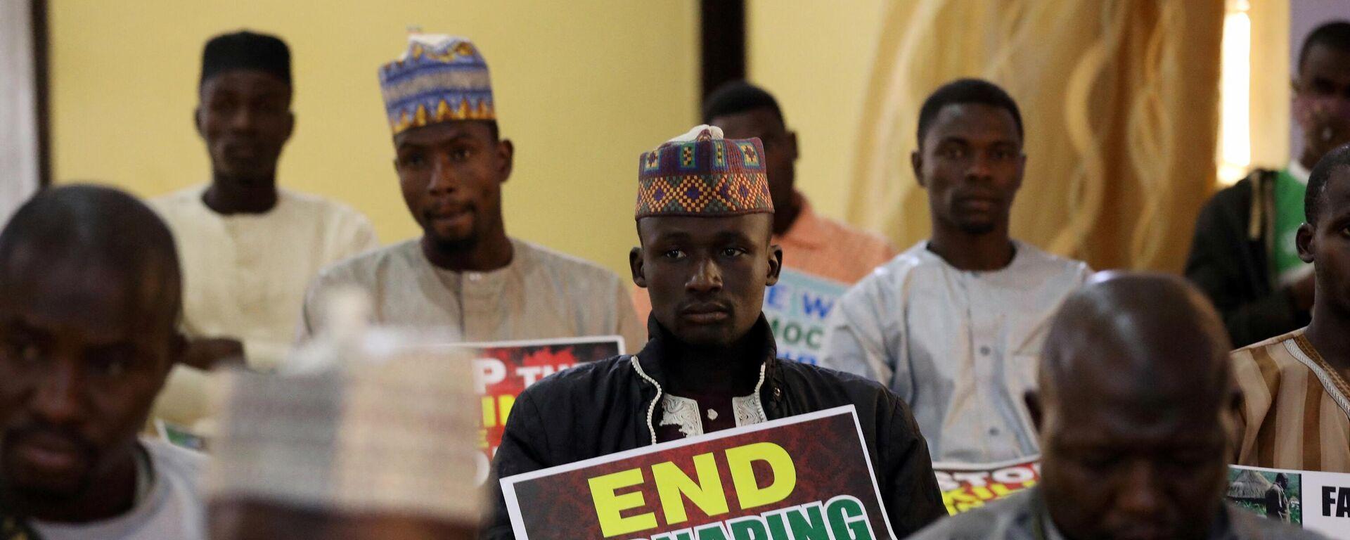 Anhänger der Koalition Nördlicher Gruppen (CNG) fordern die Regierung Nigerias auf, Hunderte entführte Kinder im Bundesstaat Katsina zu retten. 17. Dezember 2020 - SNA, 1920, 17.02.2021