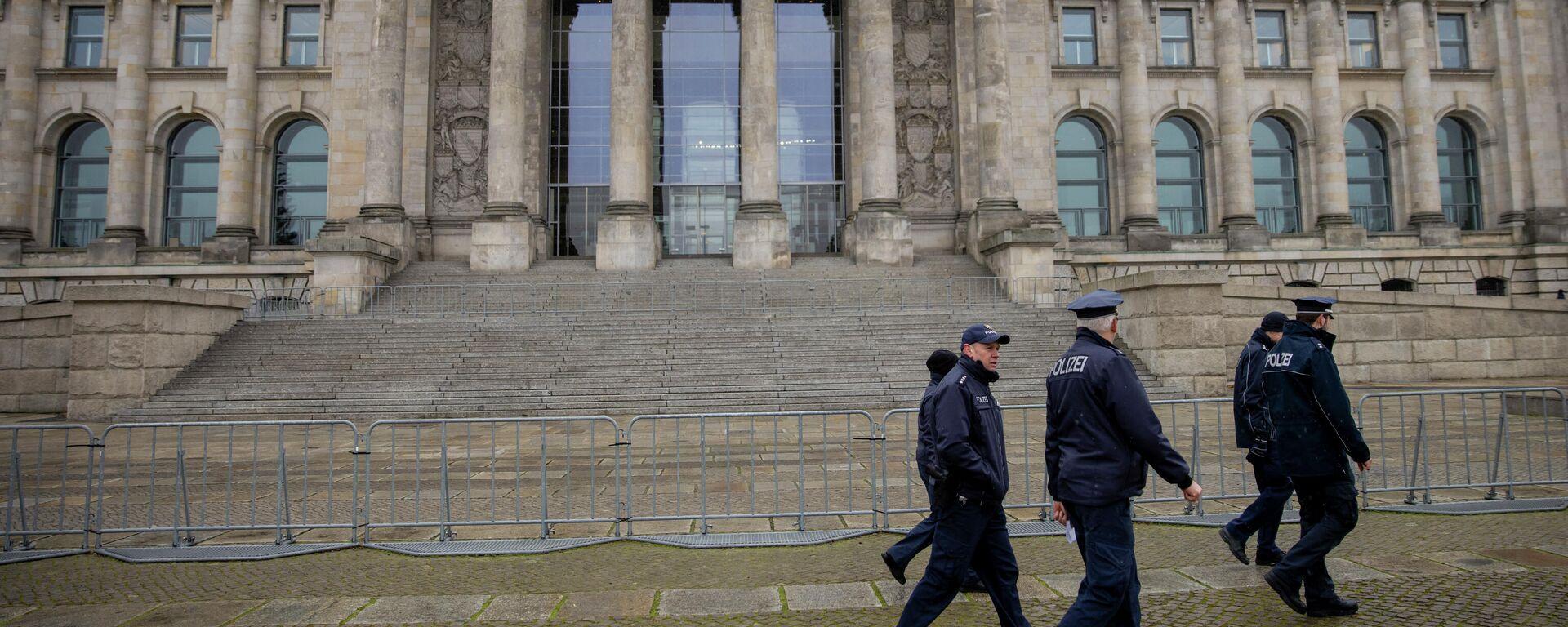 Polizei vor dem Bundestag  - SNA, 1920, 21.02.2021