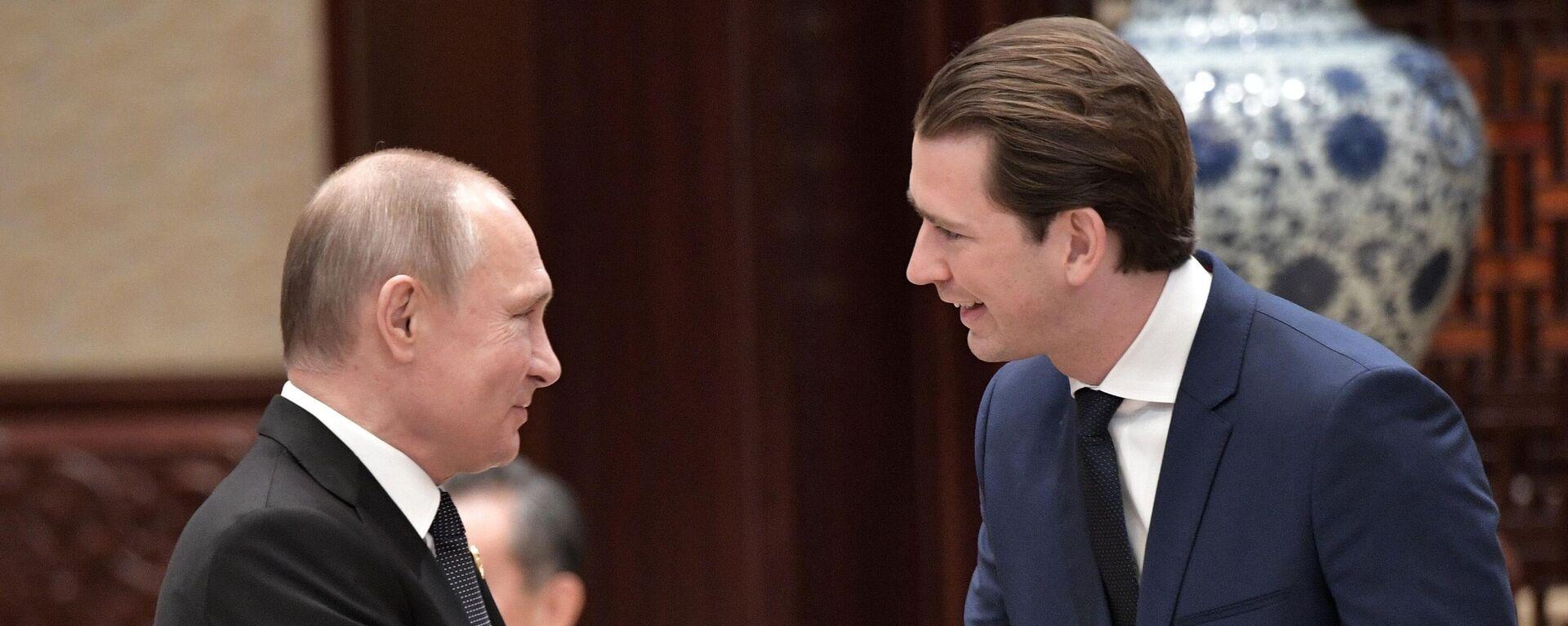 Russlands Präsident Wladimir Putin (l.) und Österreichs Kanzler Sebastian Kurz (Archivfoto) - SNA, 1920, 26.02.2021