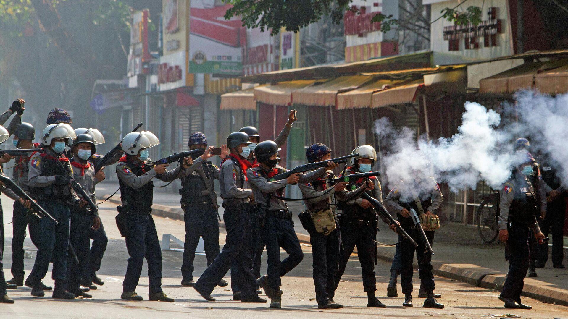 Protest in Yangon, Myanmar - SNA, 1920, 28.02.2021