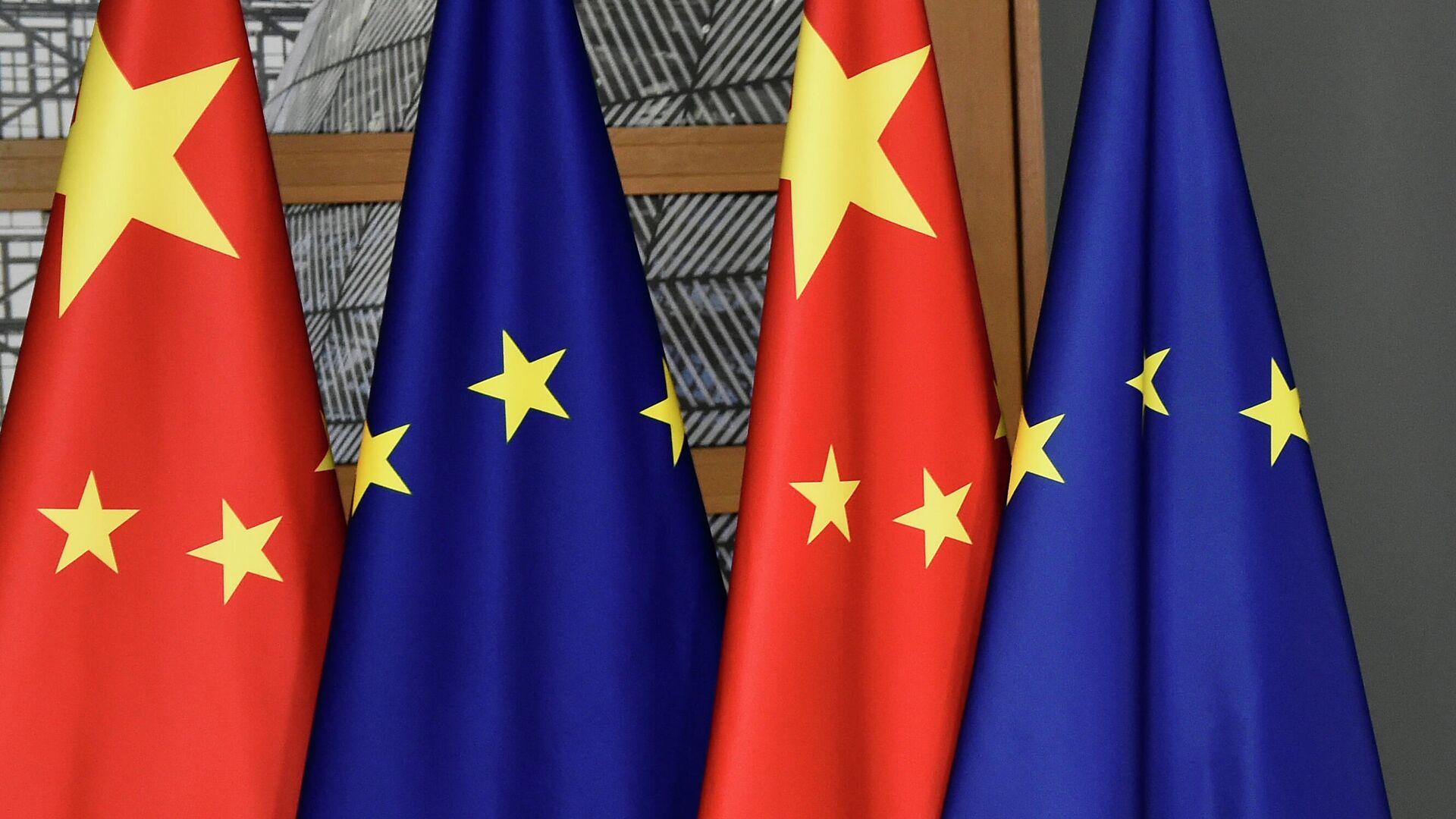 Flaggen Chinas und der EU (Archivbild) - SNA, 1920, 10.09.2021