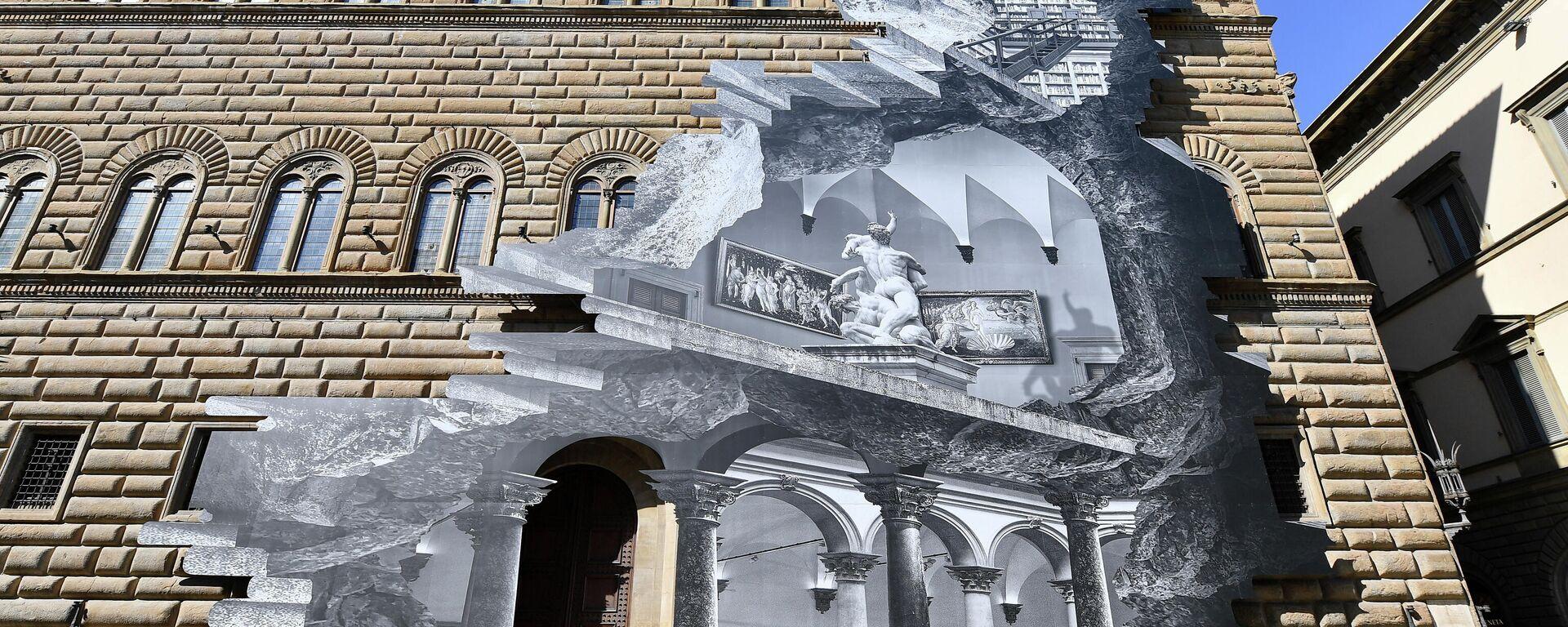 """""""Wunde"""" erscheint an der Fassade eines alten Palazzo in Florenz  - SNA, 1920, 20.03.2021"""