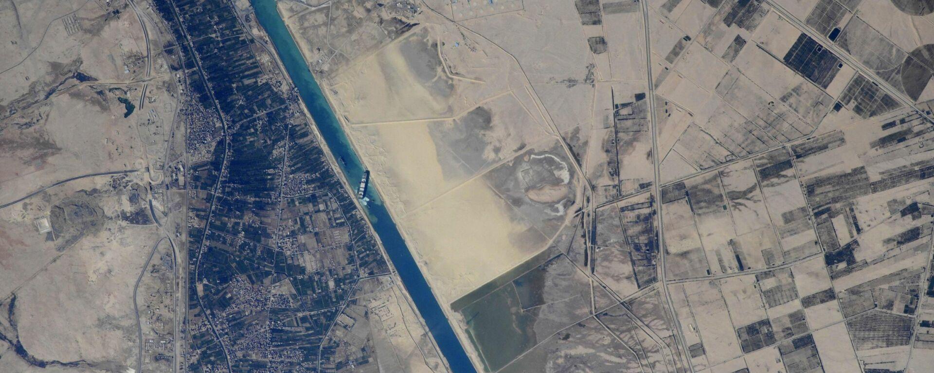 """So sieht """"Ever Given"""" im Suezkanal von der ISS aus - SNA, 1920, 28.03.2021"""