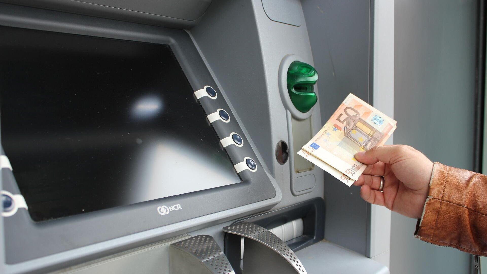 Geldautomat (Symbolbild) - SNA, 1920, 30.09.2021