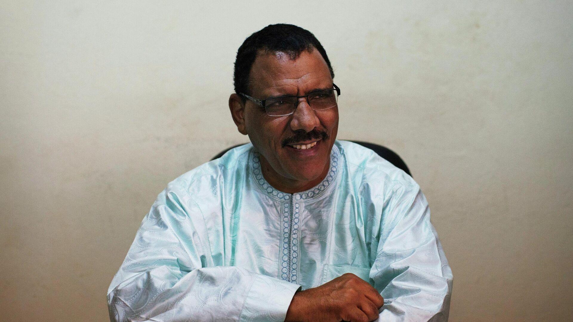 Nigers Ex-Außenminister Mohamed Bazoum, der aus der Präsidentenwahl im vergangenen Februar als Sieger hervorgegangen ist (Archiv) - SNA, 1920, 31.03.2021