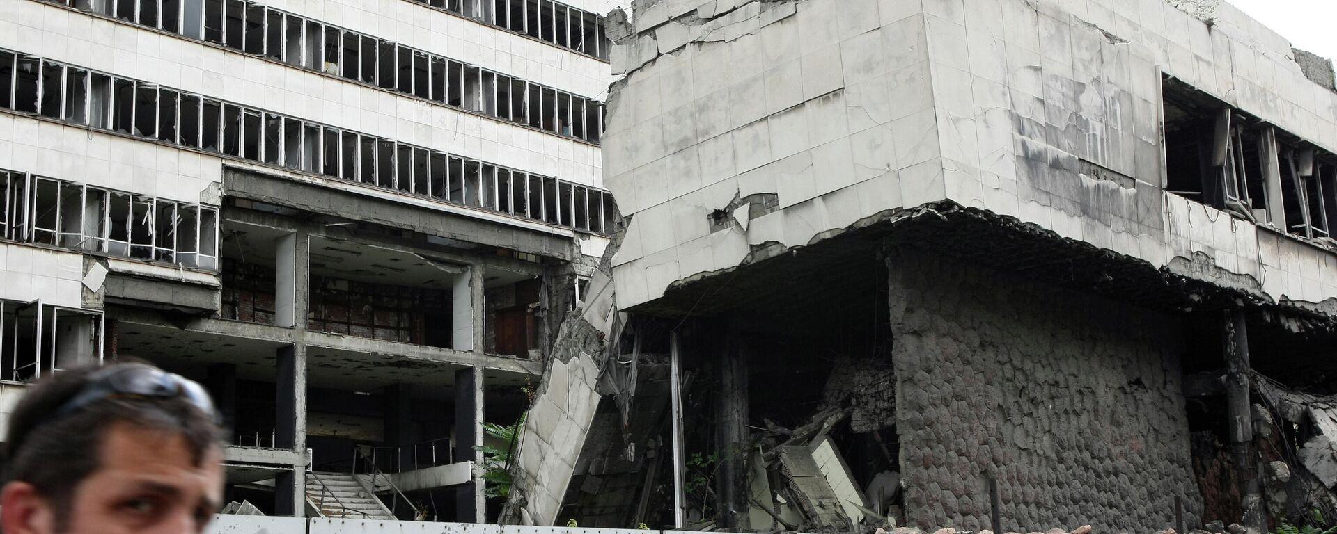 Ein bei den Nato-Bombenangriffen zerstörtes  Gebäude in der  serbischen Hauptstadt Belgrad  - SNA, 1920, 08.04.2021