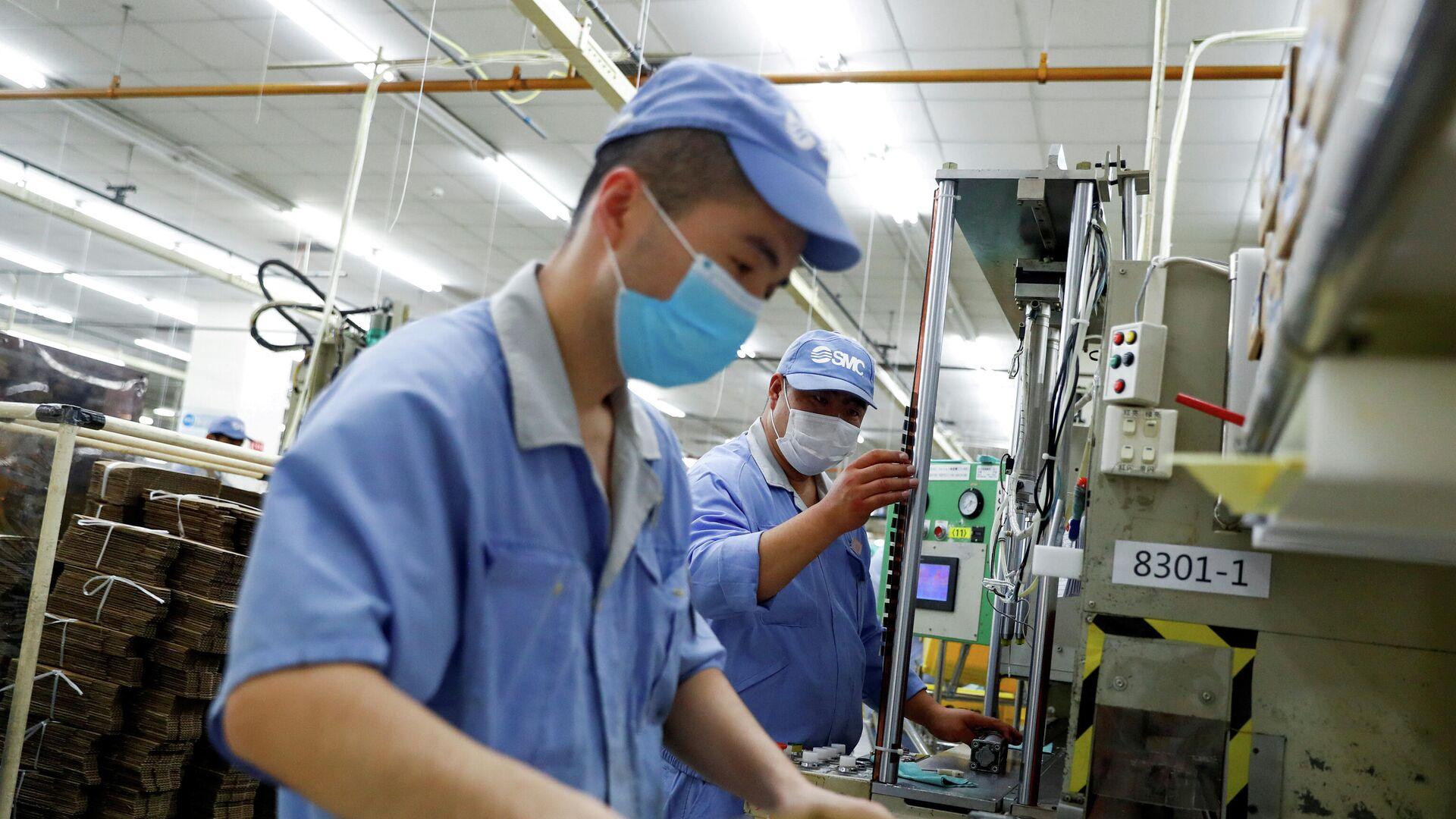 Mitarbeiter einer Fabrik in Peking - SNA, 1920, 16.04.2021