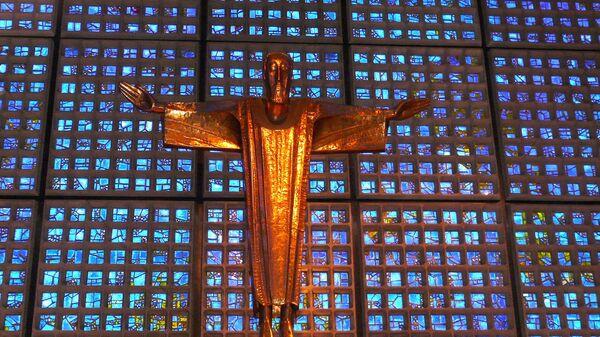 Kruzifix der Kaiser-Wilhelm-Gedächtnis-Kirche Berlin - SNA