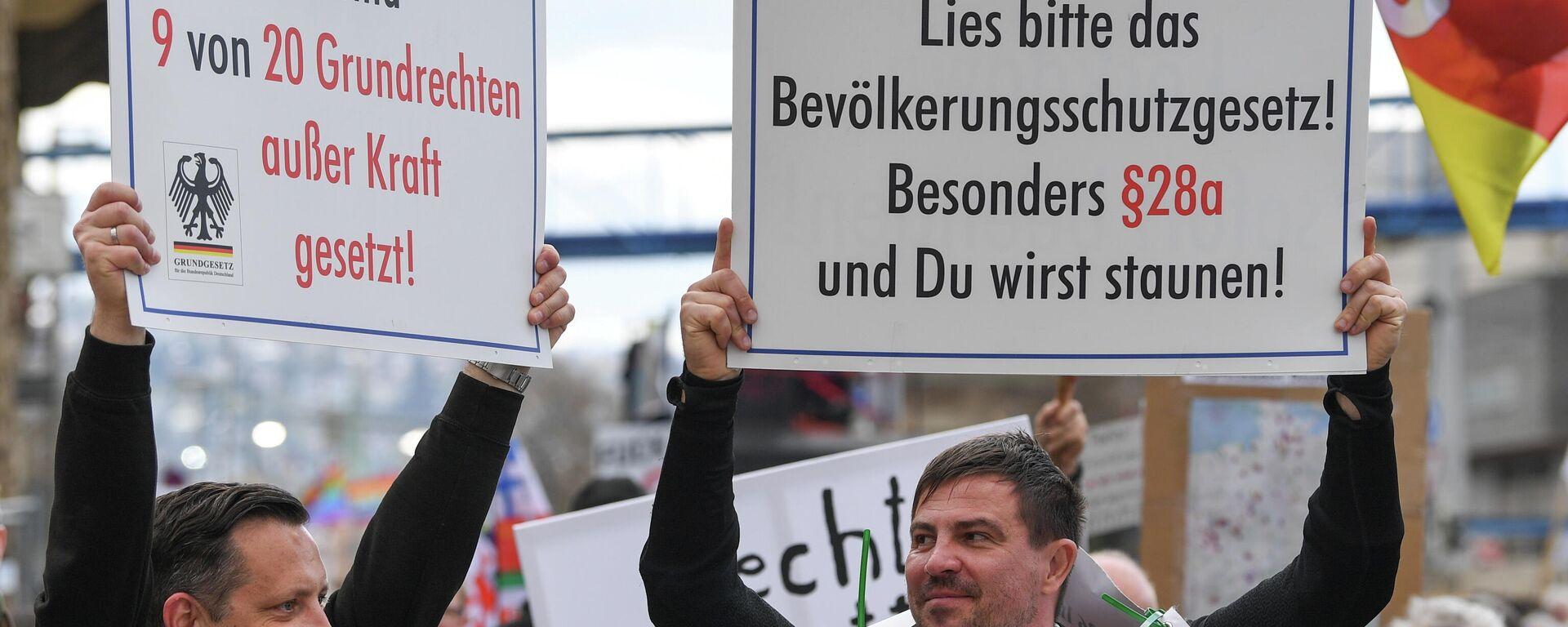 Proteste gegen Corona-Einschränkungen in Stuttgart, 3. April 2021 - SNA, 1920, 19.04.2021