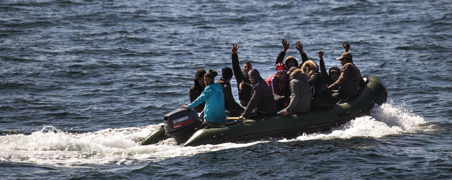 Boot mit illegalen Migranten - SNA, 1920, 20.07.2021