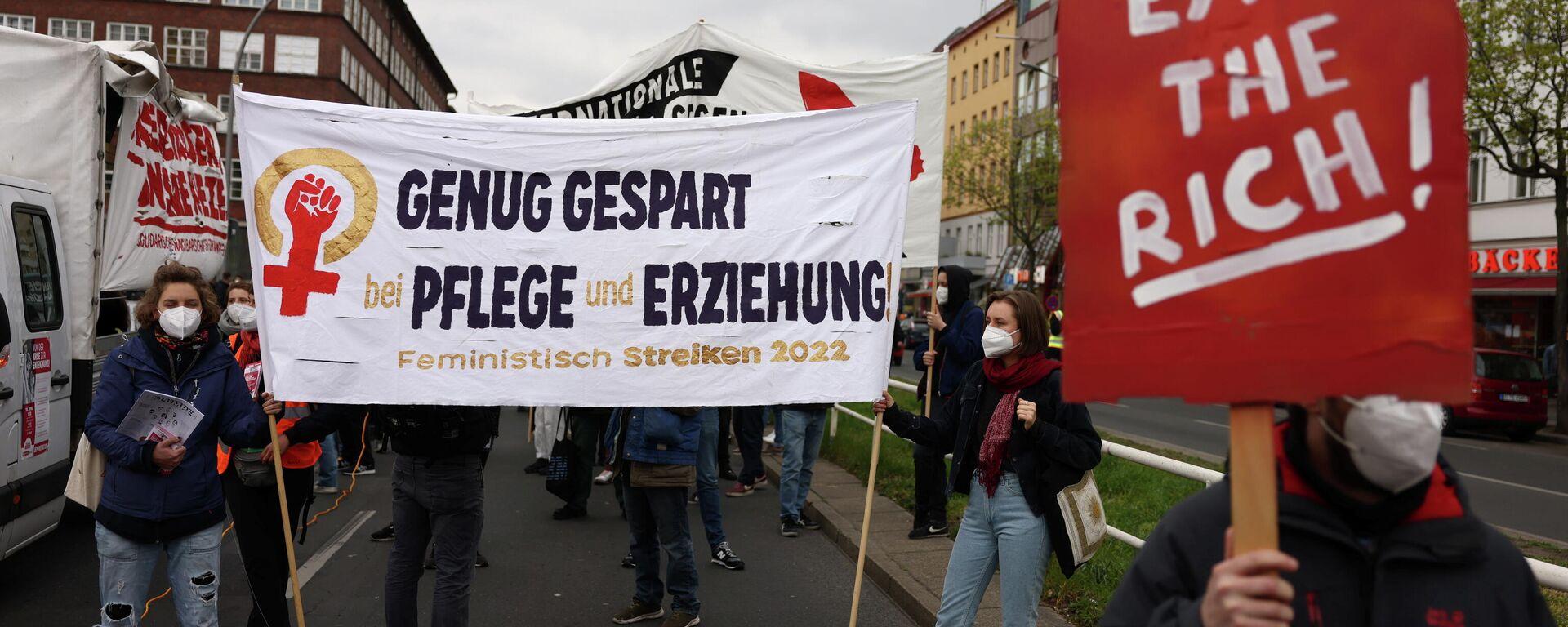 Linke Proteste in Berlin am 30. April 2021 - SNA, 1920, 03.05.2021