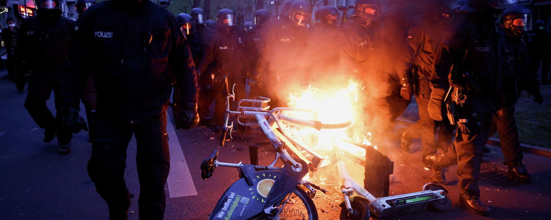 Heftige Auseinandersetzungen bei 1.Mai-Demo in Berlin - SNA, 1920, 01.05.2021