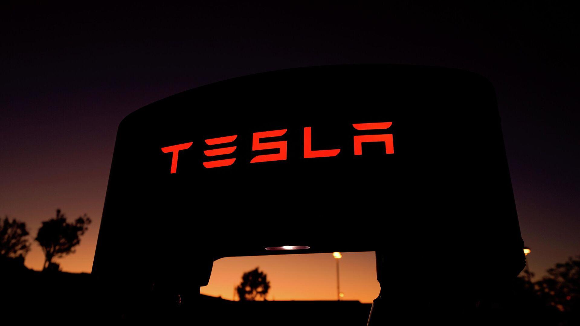 Tesla-Ladestation in Kalifornien, USA - SNA, 1920, 03.05.2021