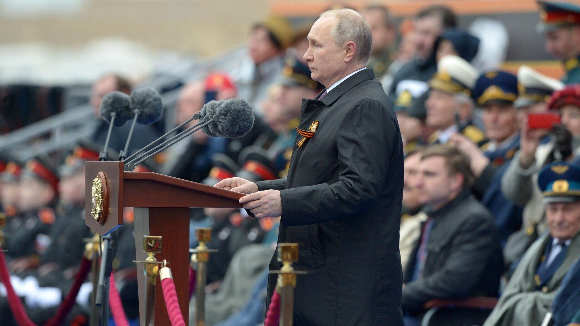 Russischer Staatschef Wladimir Putin bei der Siegesparade in Moskau  - SNA, 1920, 09.05.2021