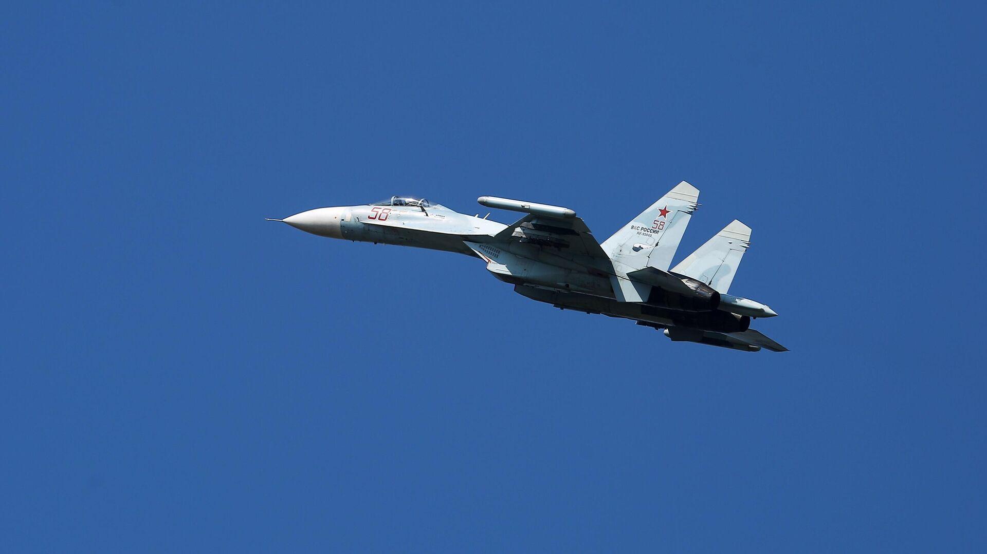 Ein russisches Kampfflugzeug des Typ  Su-27 - SNA, 1920, 23.07.2021