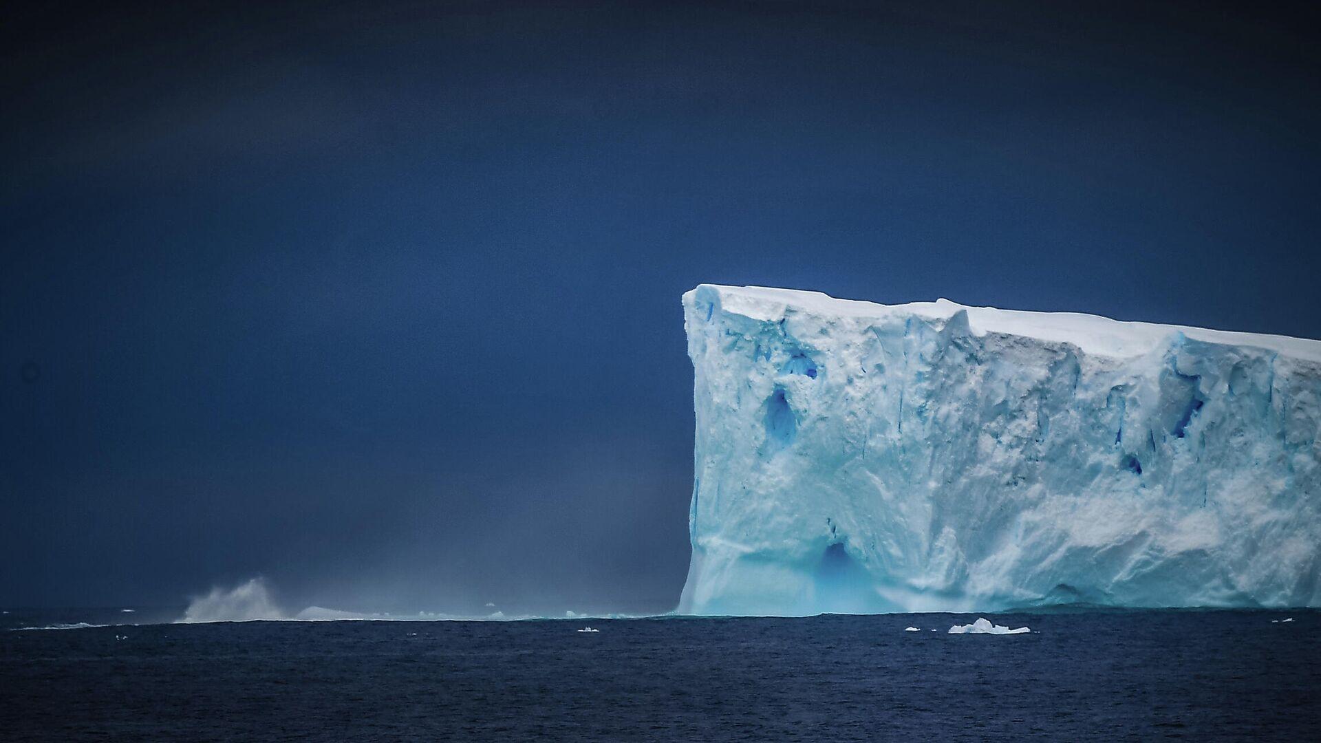 Ein Eisberg nahe der Antarktis - SNA, 1920, 19.05.2021