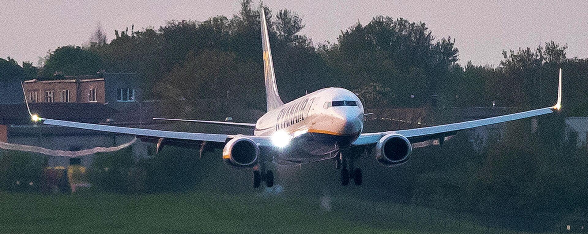 Ryanair-Maschine, mit der der weißrussische Oppositionelle Roman Protassewitsch nach Litauen flog, landet in Vilnius. 23. Mai 2021 - SNA, 1920, 28.05.2021