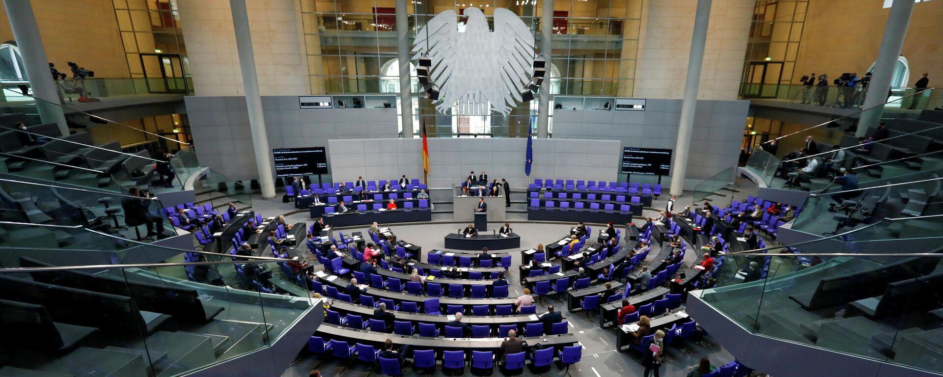 Eine Bundestagssitzung zu Corona-Pandemie, den 6. Mai 2021. - SNA, 1920, 24.06.2021