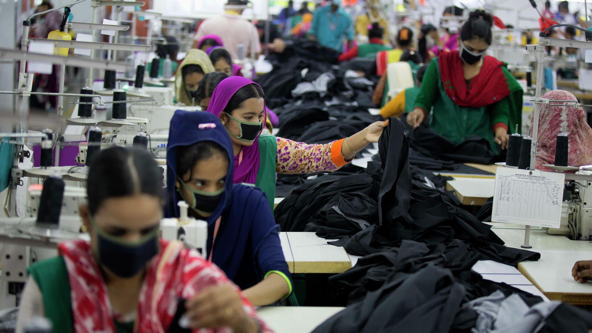 Eine Bekleidungsfabrik in Bangladesch  - SNA, 1920, 27.05.2021