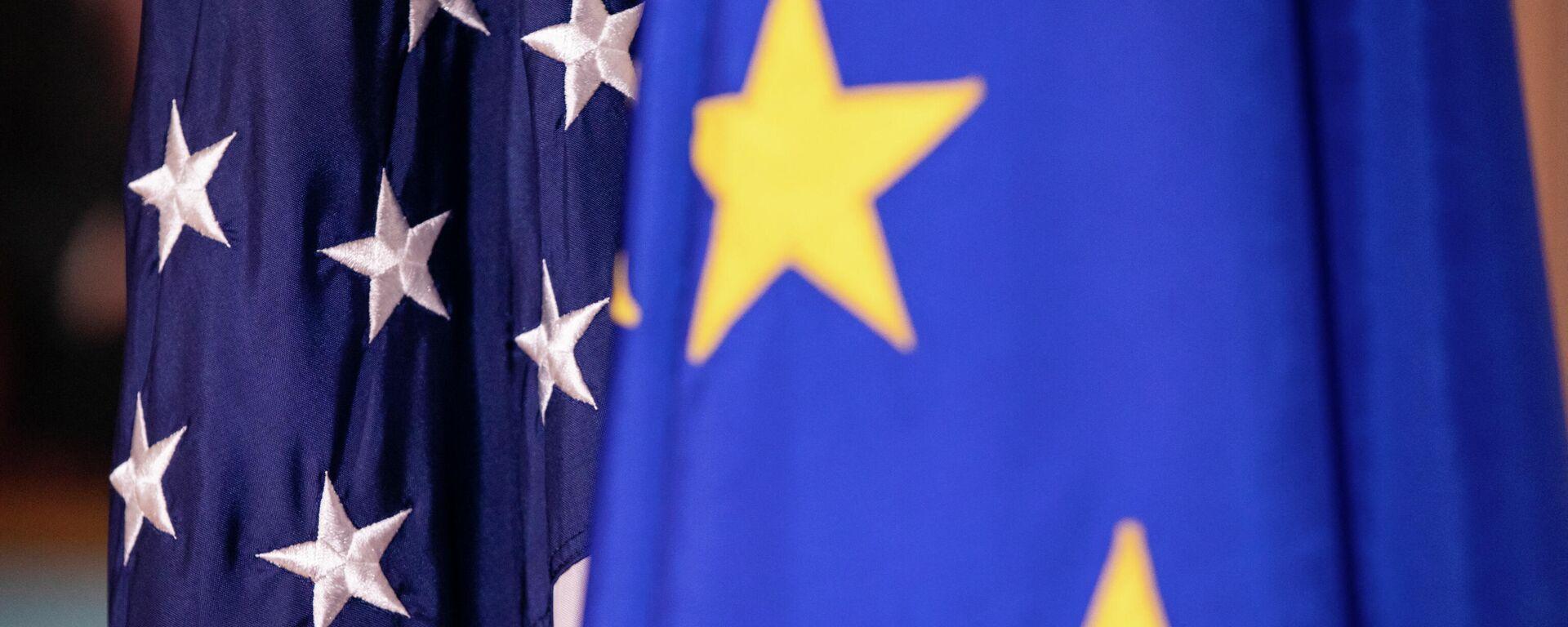 Die Flaggen der Europäischen Union und der Vereinigten Staaten (Symbolbild) - SNA, 1920, 30.05.2021