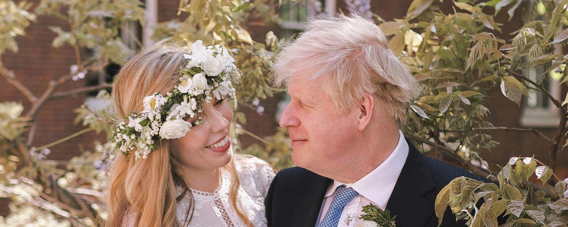 Der britische Premierminister Boris Johnson und seine Frau Carrie Symonds  - SNA, 1920, 30.05.2021