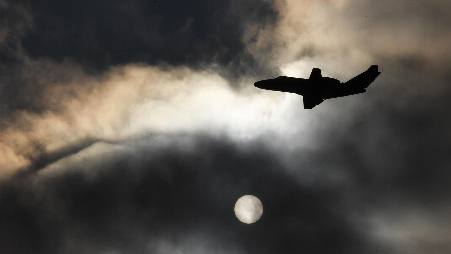 Flugzeug (Symbolbild) - SNA, 1920, 06.10.2021