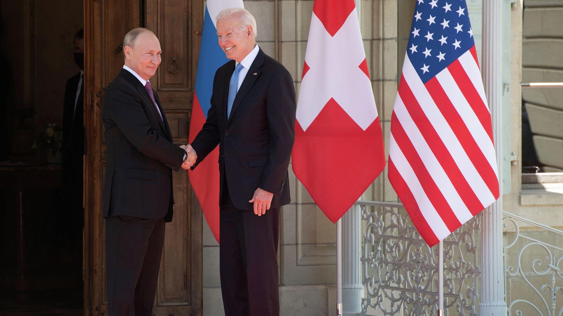 Russischer Präsident Wladimir Putin und US-Präsident Joe Biden - SNA, 1920, 09.07.2021