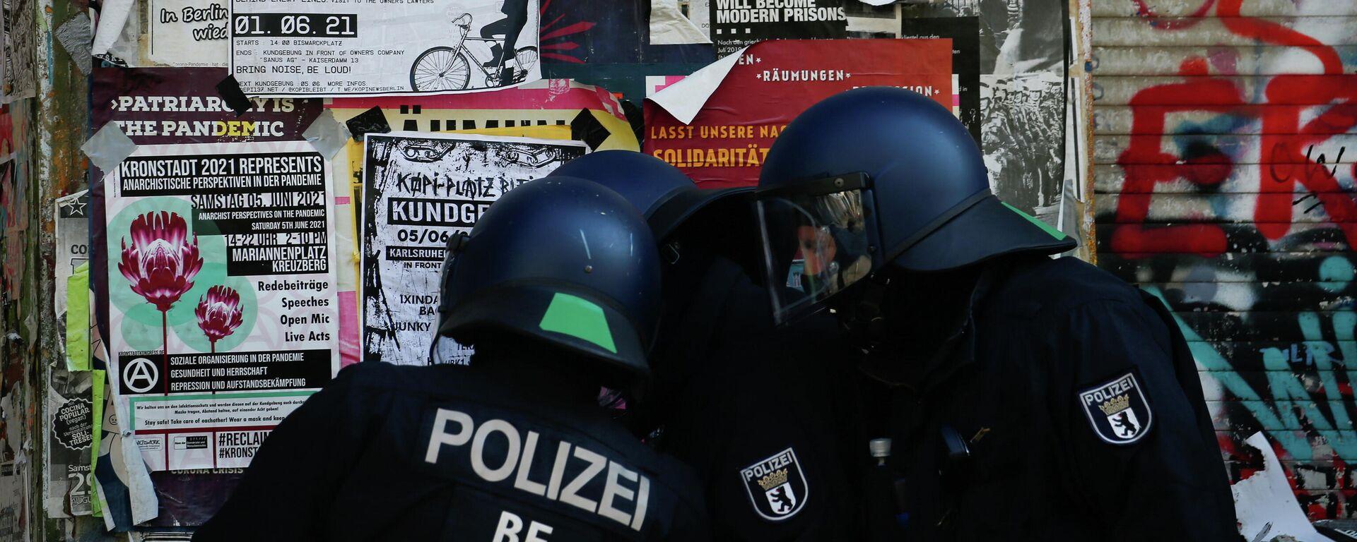 Polizeieinsatz bei Rigaer 94 - SNA, 1920, 17.06.2021