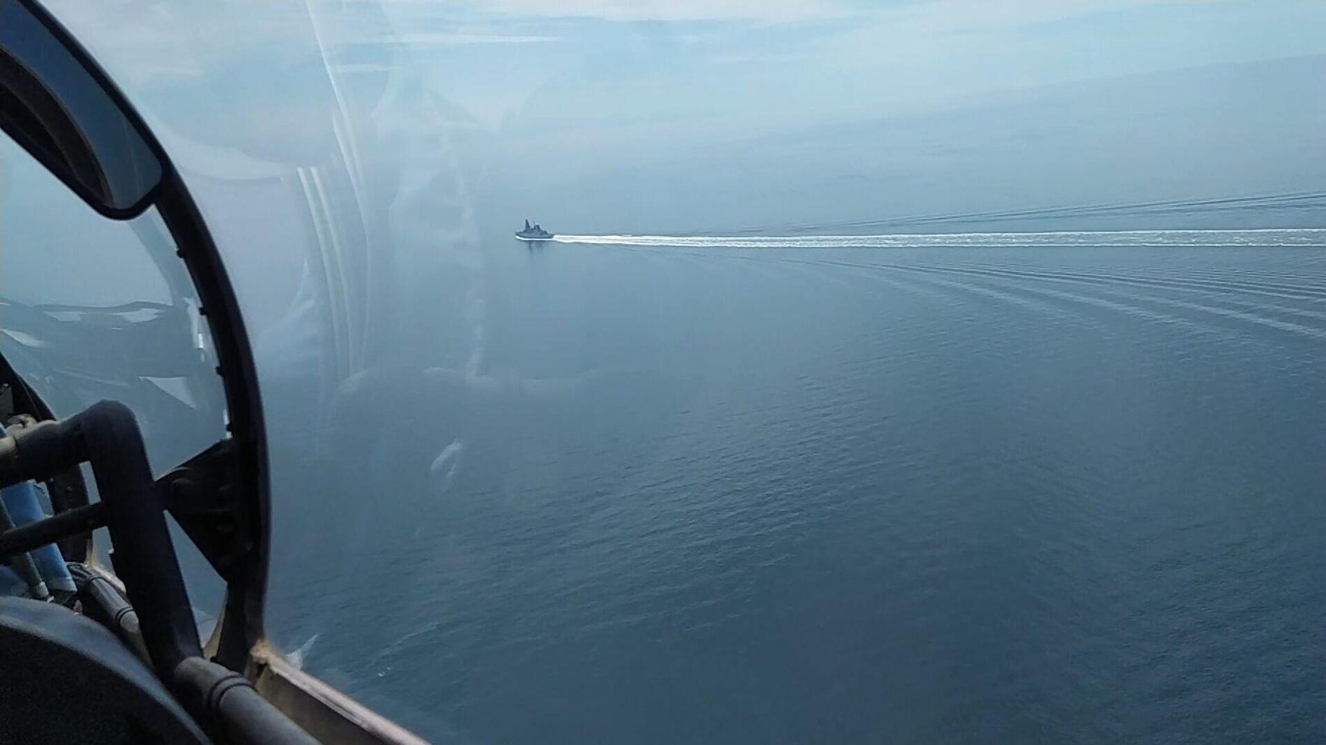 Blick aus dem Cockpit auf den britischen Zerstörer Defender im Schwarzen Meer  - SNA, 1920, 06.07.2021