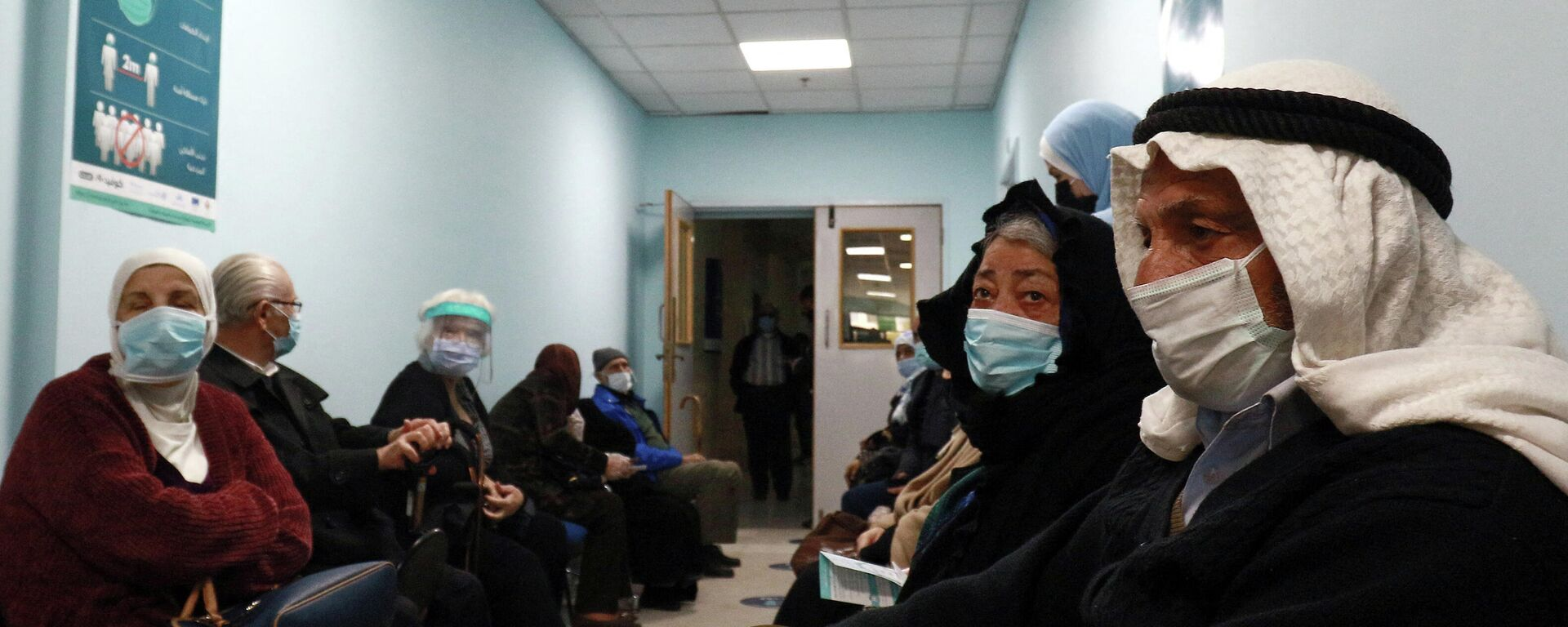 Menschen in einem Impfzentrum in der  jordanischen Hauptstadt Amman - SNA, 1920, 27.06.2021