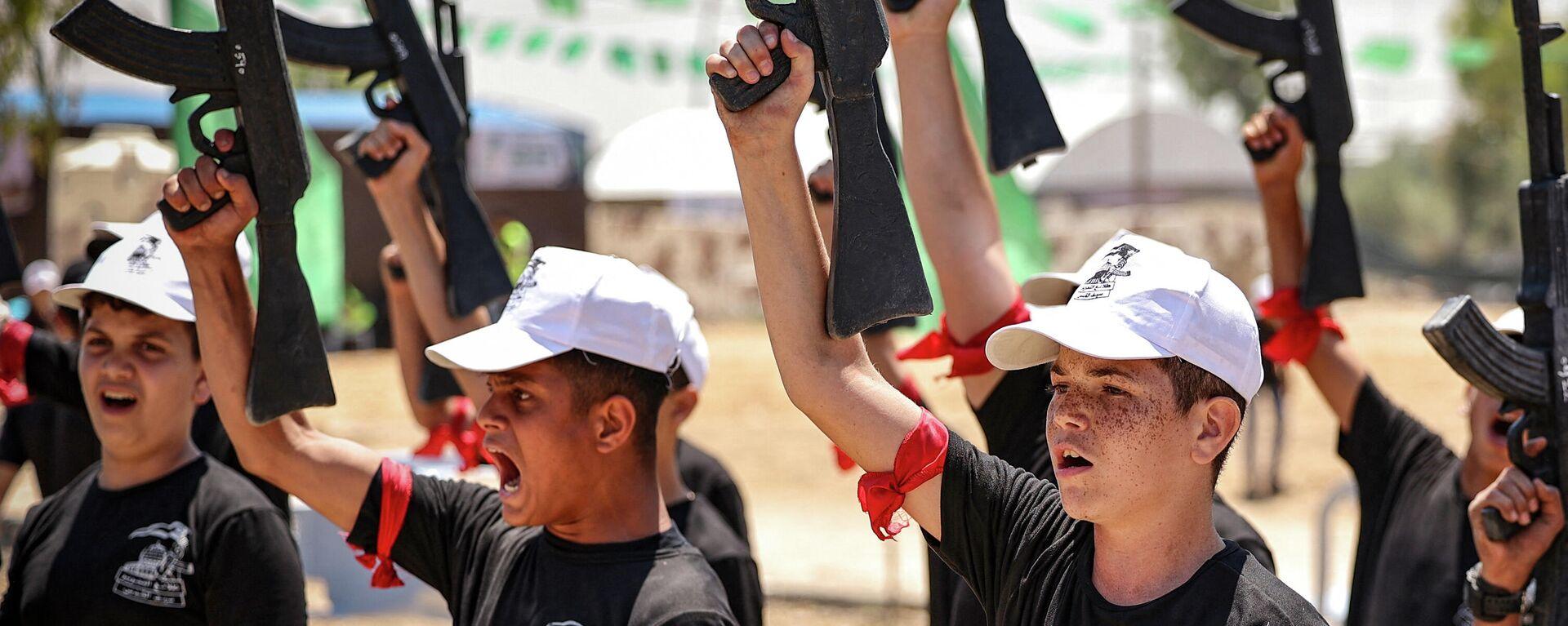 Hamas trainiert Jugendliche in militärischen Sommerlagern - SNA, 1920, 29.06.2021