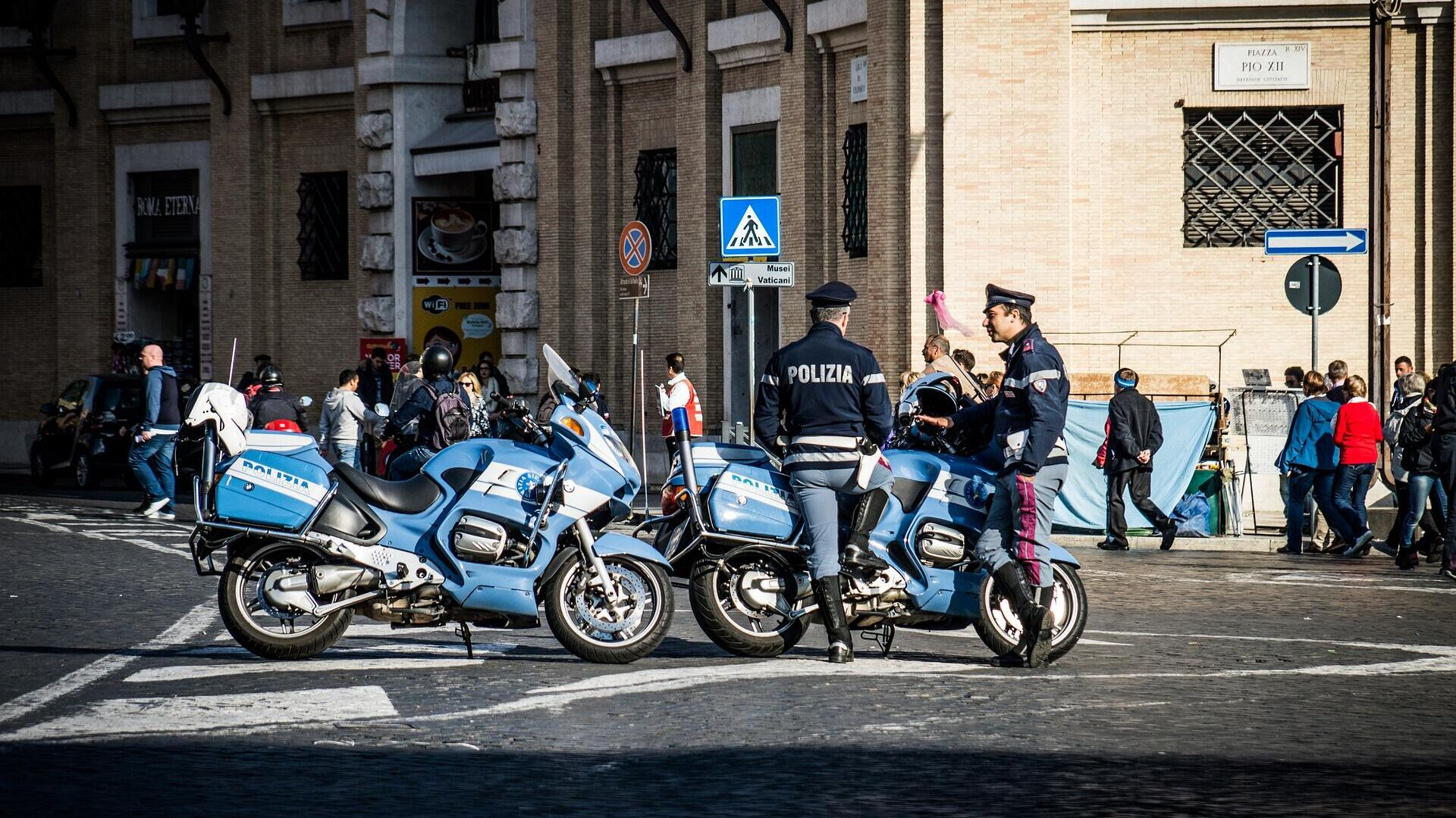 Italienische Polizisten im Einsatz (Symbolbild) - SNA, 1920, 05.07.2021