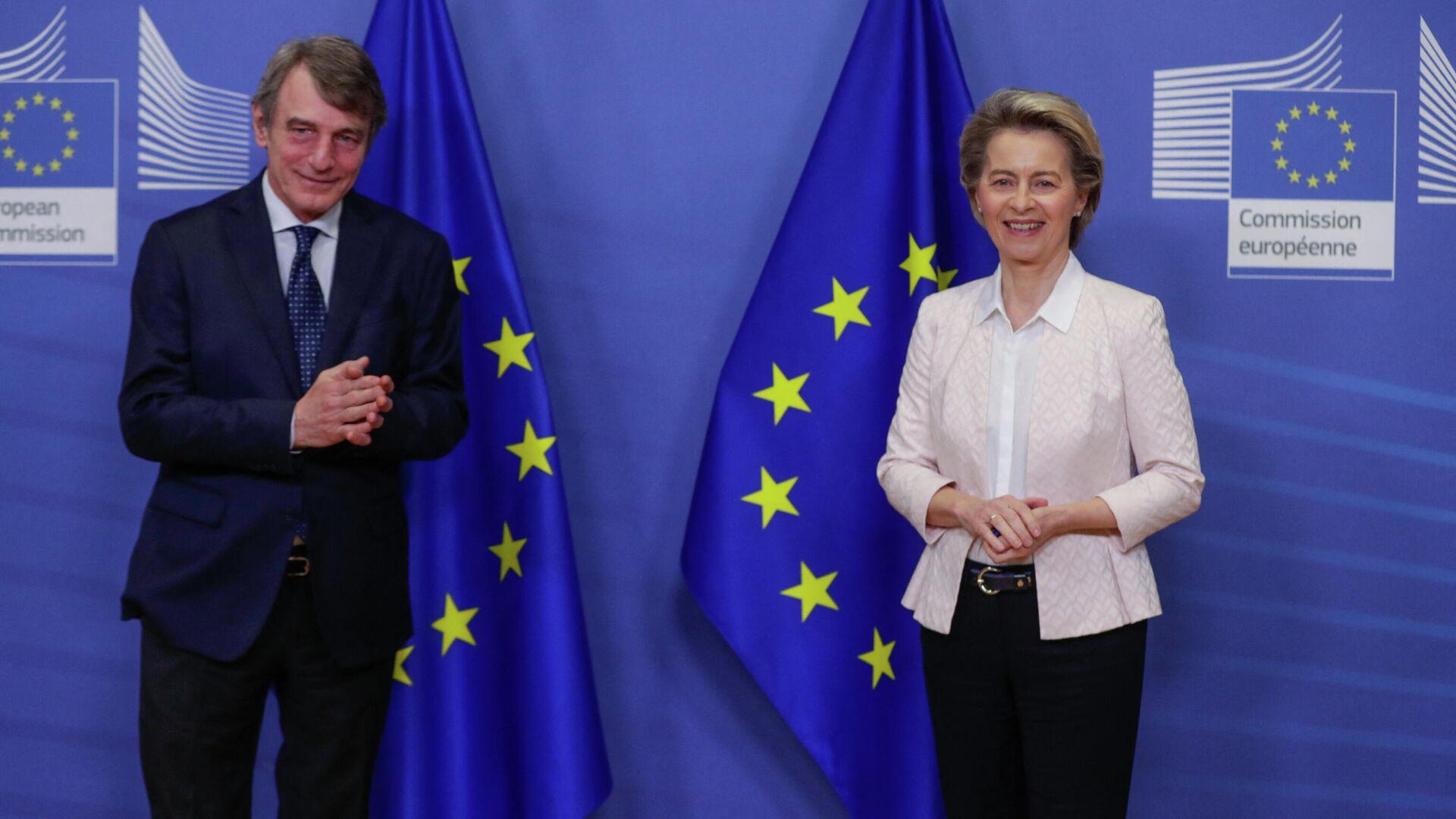 EU-Kommissionschefin Ursula von der Leyen und Präsident des Europaparlaments David Sassoli (Archivfoto) - SNA, 1920, 11.07.2021