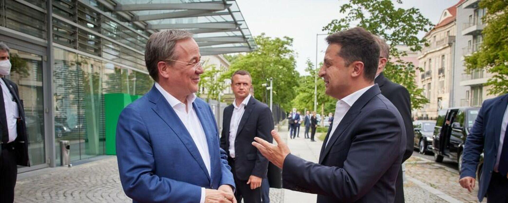 Präsident der Ukraine Wladimir Selenski und CDU-Chef Armin Laschet in Berlin, den 11. Juli 2021 - SNA, 1920, 12.07.2021