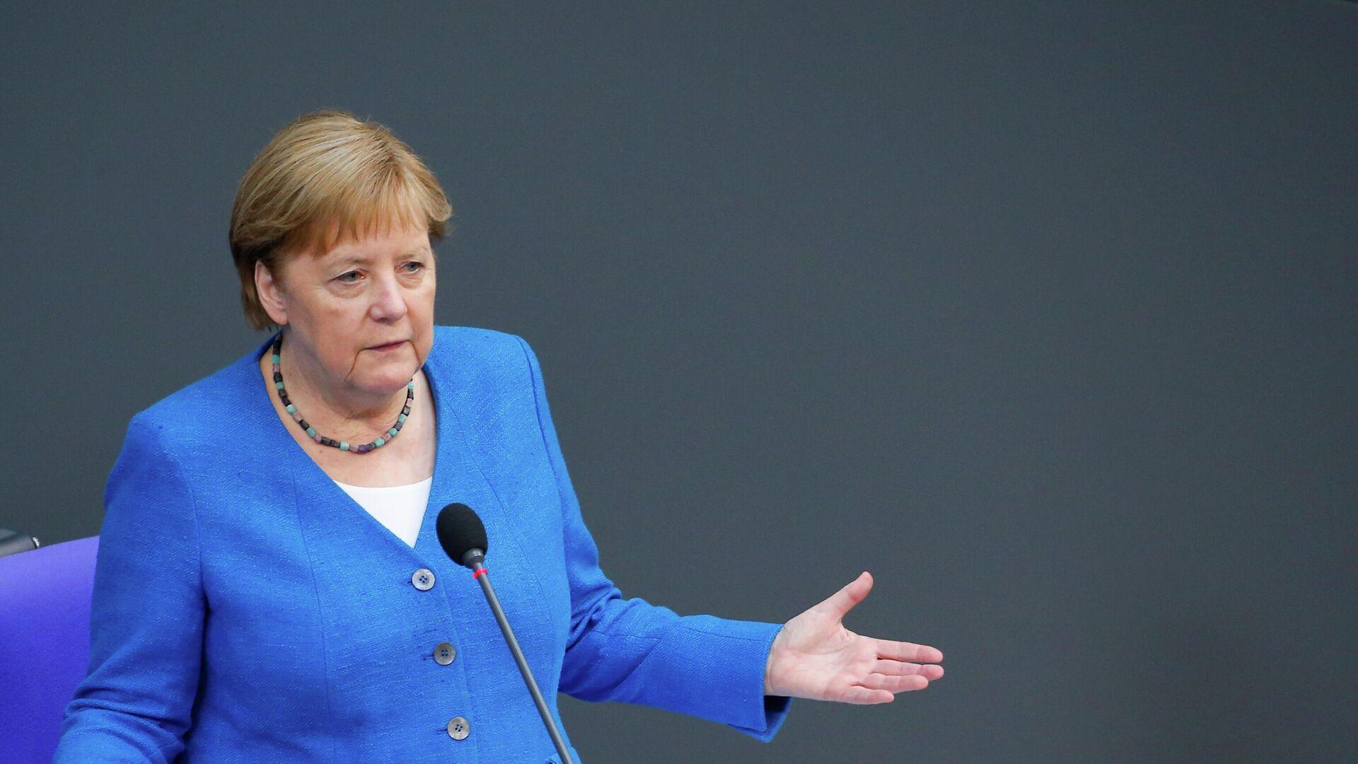 Bundeskanzlerin Merkel hält eine Rede im Bundestag  - SNA, 1920, 12.07.2021