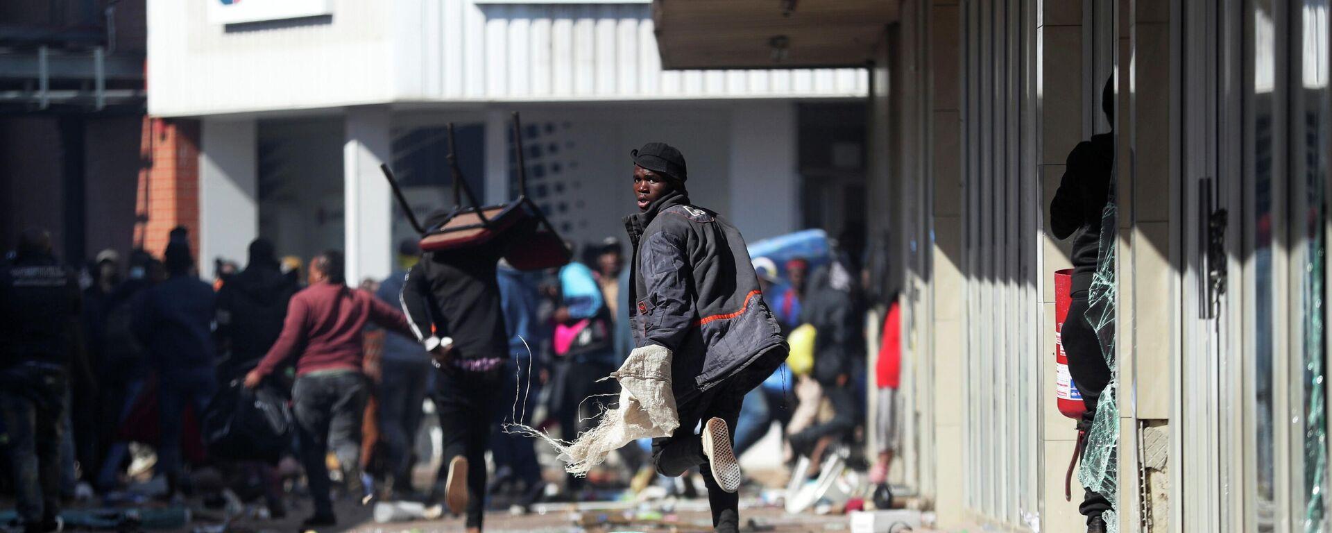 Unruhen in Südafrika nach der Inhaftierung des früheren Präsidenten Jacob Zuma - SNA, 1920, 12.07.2021
