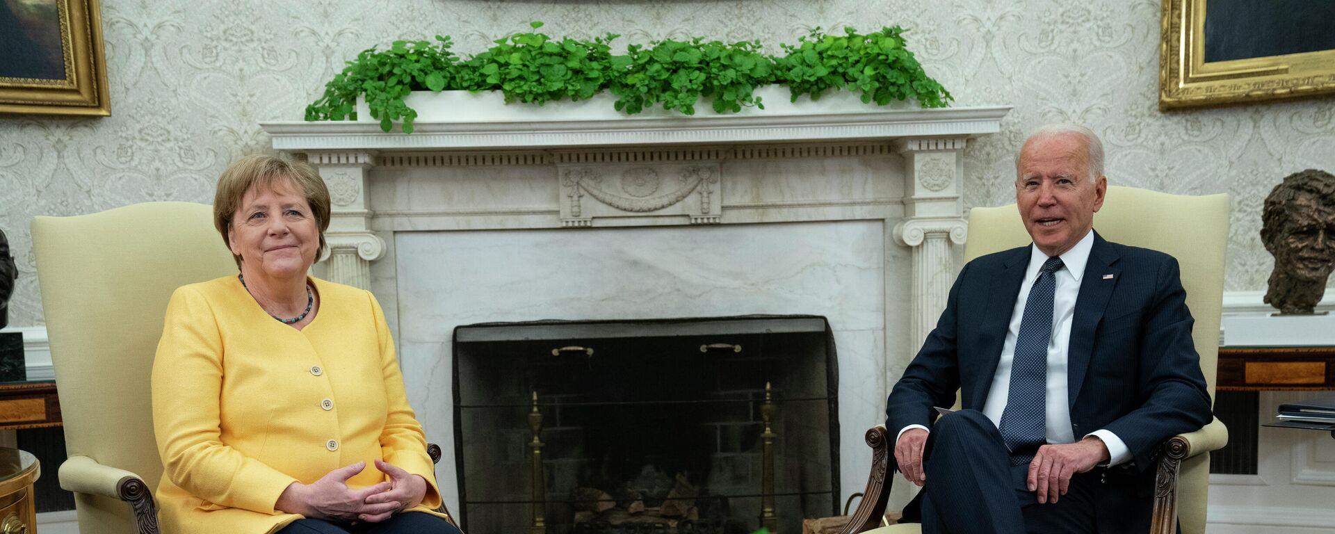 Bundeskanzlerin Angela Merkel und US-Präsident Joe Biden in Washington am 15.07.21 - SNA, 1920, 16.07.2021