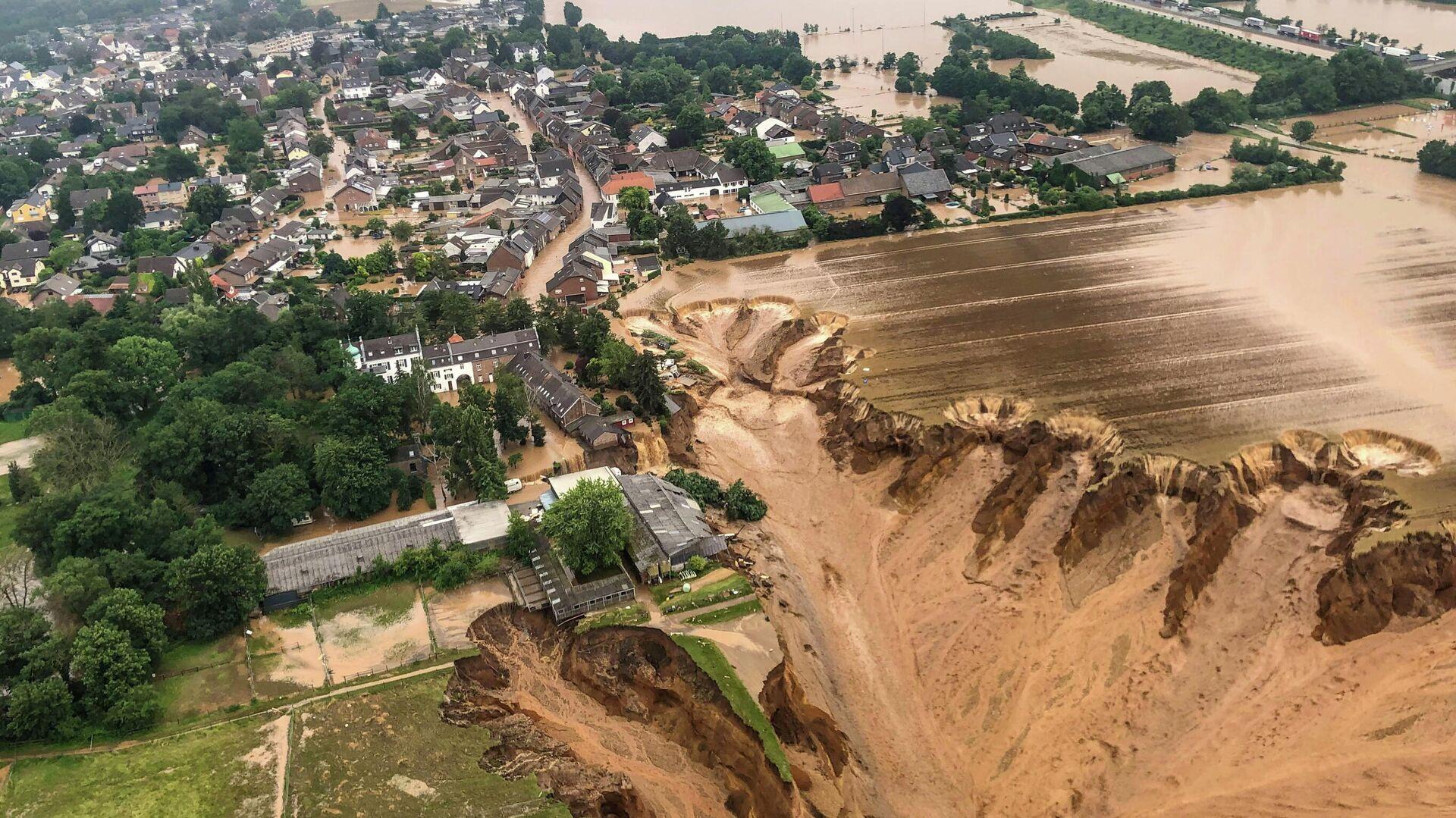 Verheerende Erdrutsche nach heftigen Überschwemmungen in Erftstadt-Blessem, Nordrhein-Westfalen, 16.Juli 2021 - SNA, 1920, 16.07.2021